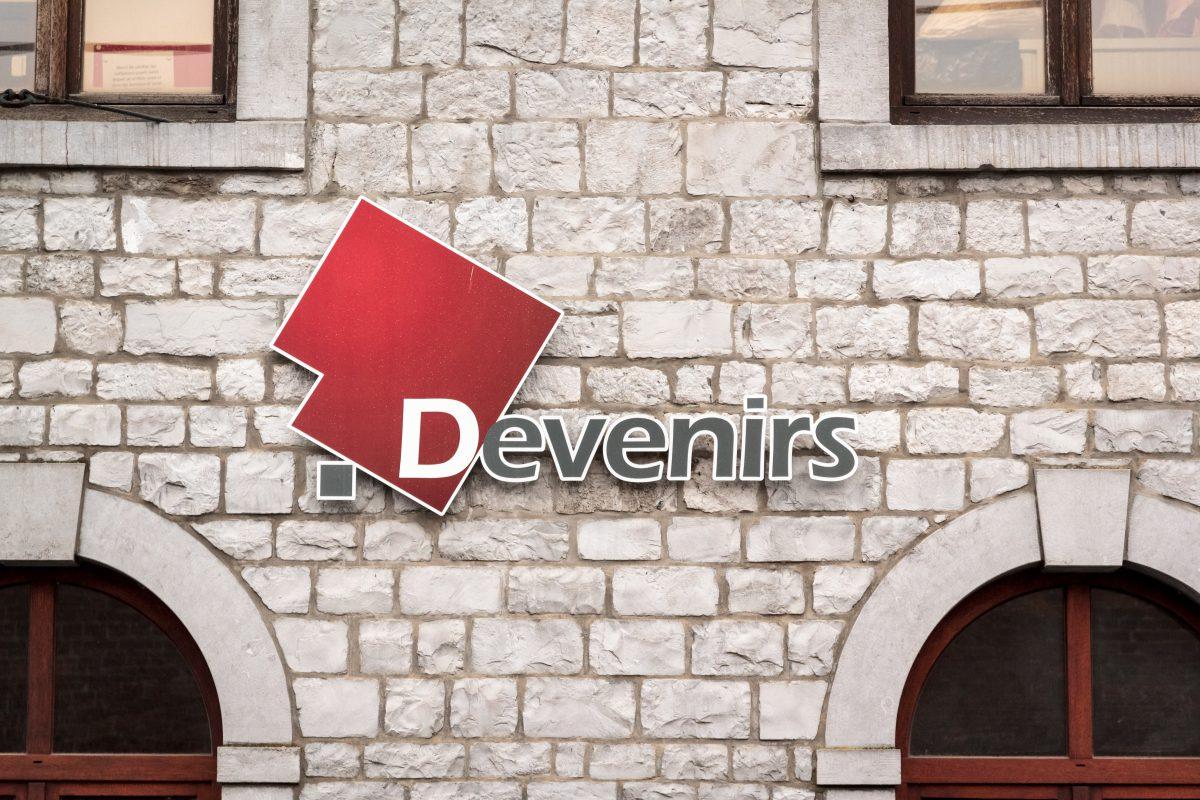 Devenirs - Enseigne façade